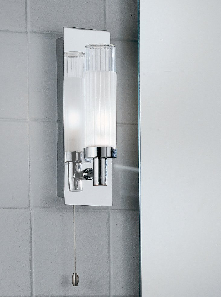 Franklite WB533 single wall light, chrome and glass